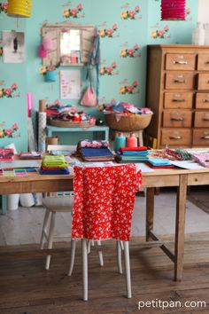 Super cute craft studio