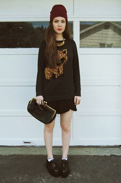 Forever 21 Sweater, Funktional Shorts, Vintage By Fe Clutch, Oasap Creepers