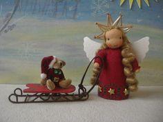 Dieser kleine Engel hat mir erzählt, dass Knecht Ruprecht nur eine Erfindung vom Nikolaus ist, damit die Kinder immer ganz brav bleiben.  In Wirklichk
