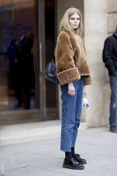 Model Street Style: Paris Couture Fashion Week S/S 2017 Model Street Style: Pari. Fashion Week, Look Fashion, Trendy Fashion, Winter Fashion, Fashion Outfits, Paris Fashion, Street Fashion, Fashion Ideas, Korea Fashion