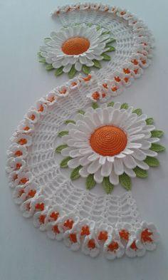 Crochet Table Runner Pattern, Crochet Flower Patterns, Crochet Tablecloth, Crochet Motif, Crochet Designs, Crochet Doilies, Crochet Flowers, Crochet Sunflower, Sunflower Pattern
