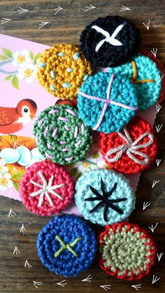 ingthings: DIY (yes, again; ) this time: little crochet buttons..