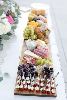 Wedding Food Ideas - How To Create a Charcuterie and Cheese Board Affordable Wedding Food Ideas including how to create a gorgeous and easy charcuterie and cheese board. Including mini caprese bites and appetizers.