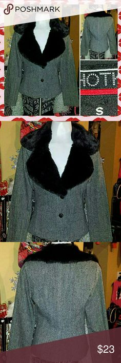??LUSH POSH GLAM DIVA faux GOTH FUR BLAZER COAT this is SOOOO GLAM DIVA made out of a lighter TWEED with some SPARKLY grain throughout its DESIGN. its SIZE SMALL IN JR/MISS and is in ABSOLUTE EXCELLENT/LIKE NEW condition Hot Kiss Jackets & Coats Blazers