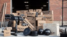 Although CrossFit-style workouts can be great for increasing strength and cardio, they can also be done to increase muscle mass and hypertrophy. Here's of our favorite WOD's for putting on muscle! Crossfit Body, Increase Muscle Mass, Rogue Fitness, Garage Gym, Powerlifting, Fitness Tracker, No Equipment Workout, Weight Lifting, Fitness Fashion