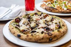 Away Kitchen on Queen is the second location of the plant-based restaurant serving luxe pizzas and dairy-free fondue. Vegan Burgers, Vegan Pizza, Vegan Vegetarian, Vegetarian Recipes, Pizza Joint, Clean Eating, Healthy Eating, Meat Lovers