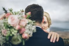bride and groom pink bouquet savo photography ballintaggart house