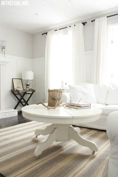 Love this as a coffee table, I have an old round table I want to make into a coffee table!