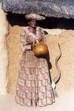 Namibia - Etosha, Herero woman
