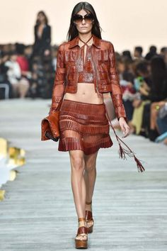 Italian fashion designer Roberto Cavalli presented his new spring/summer 2015 collection at Milan fashion week spring He found inspiration for this Roberto Cavalli, Spring 2015 Fashion, Spring Summer 2015, Runway Fashion, Fashion Show, Womens Fashion, Milan Fashion, Gold Fashion, Leather Fashion