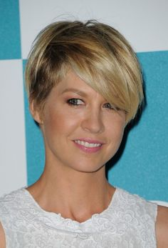 Jenna-Elfman-Cute-Short-Haircut-2013.jpg 518×762 pixels