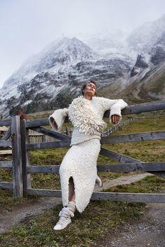 ELLE Poland | January 2018 | Marta Dyks photographed by Marcin Kempski | fashion editorial fashion photography