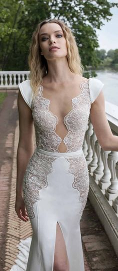 Modern, romantic and effortlessly elegant, Lian Rokman Wedding Dresses 2018: Stardust Bridal Collection features stylish looks with a bohemian flair.