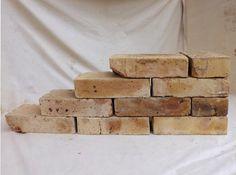 Antikziegel rustikale alte Mauersteine Ziegel Klinker Backsteine Verblender historisches Mauerwerk Weinkeller Ziegelboden Ruinenmauer Grill