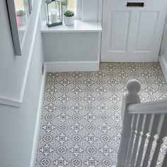 27 Coolest The Little-Known Secrets to Carpet Tiles Hallway Entryway Hall Tiles, Tiled Hallway, Bathroom Floor Tiles, Tile Floor, Grey And White Hallway, Grey Carpet Hallway, Bright Hallway, Cottage Hallway, Hall Flooring