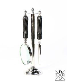 """Dekoratives Set """"Laira"""" eines Brieföffners und einer Lupe mit Echtglaslinse auf einen Ständer. Das praktische Büroaccessoire im edlem Vintage Look. Lupe, Drop Earrings, Vintage, Jewelry, Fashion, Corning Glass, Moda, Jewlery, Jewerly"""