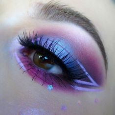 How To Clean Beauty Blenders & Makeup Brushes We're loving this purple passion eye look by featuring our 386 lashes! The post How To Clean Beauty Blenders & Makeup Brushes appeared first on Makeup Trends On World. Makeup Eye Looks, Eye Makeup Art, Cute Makeup, Pretty Makeup, Eyeshadow Makeup, Makeup Brushes, Purple Makeup, Beauty Makeup, Kawaii Makeup