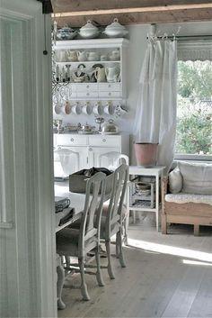 ameublement de cuisine avec des meubles vinatge