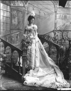 Victorian Wedding Fashion – 27 Stunning Vintage Photos of Brides Before 1900 Court dress, Satin, chiffon. Baroness Christine von Linden's court presentation the day after her wedding. Vintage Wedding Photos, Photo Vintage, Vintage Bridal, Vintage Weddings, Country Weddings, Lace Weddings, Wedding Pictures, Vintage Pink, Senior Pictures