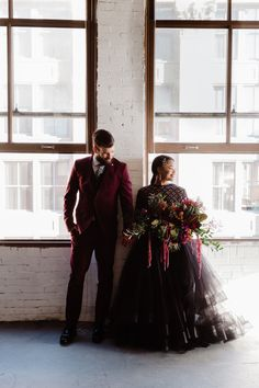 These Wedding Ideas Will Leave You Wanting All The Drama Western Wedding Centerpieces, Western Wedding Invitations, Western Wedding Dresses, Luxury Wedding Dress, Classic Wedding Dress, Wedding Attire, Western Weddings, Country Weddings, Wedding Colors