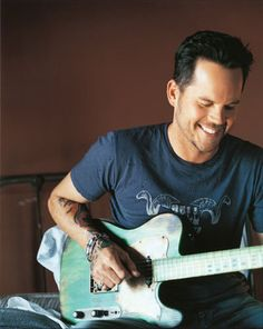 Gary Allan... i want to marry him