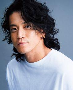Shun Oguri, Japanese Drama, My King, Hot Guys, Asian, Actors, Long Hair Styles, Celebrities, Learning