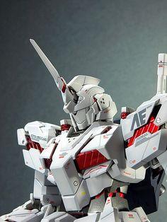 MODELER: William   MODEL TITLE: N/A   MODIFICATION TYPE: custom paint job, custom details   KITS USED:  MG 1/100 Unicorn Gundam Ver. Ka     ...