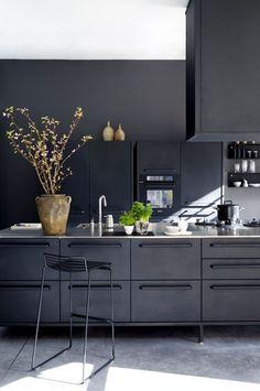 Kitchen Remodel Before And After Diy Light Fixtures Ideas - Küchenarmaturen Loft Kitchen, New Kitchen, Kitchen Decor, Kitchen Tips, Kitchen Ideas, Painting Light Fixtures, Diy Light Fixtures, Concrete Kitchen Floor, Kitchen Flooring