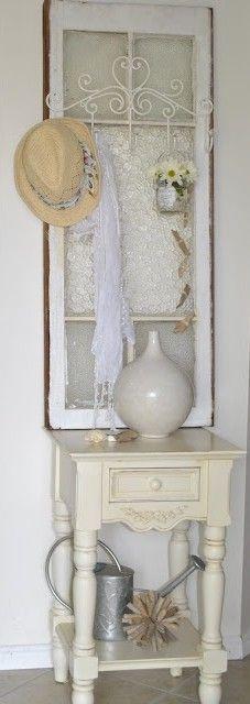 Romantische strand look!  Window repurpose. I love the white wire hanger put on the window