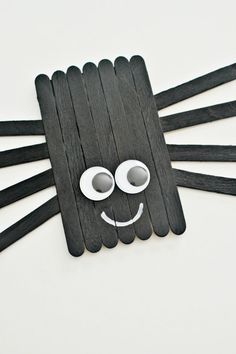 Create this cute little popsicle stick spider with your kids this Halloween. Also great for a book craft (IE: Charlotte's Web, etc.)