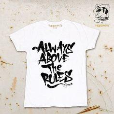 Dedicata a chi guarda sempre oltre... #happiness #brand #johnny #minchia #johnnym #johnnyminchia #tshirt #tee #minchia #tees #tshirts #abbigliamento #moda #modauomo #modadonna #fun #abbigliamentodonna #clothing #abbigliamentouomo #graphic #design #grafica #amore #love #divertimento #abovetherules #alwaysabovetherules #rule #rules #always #spreadhappiness #happinessisa10tee