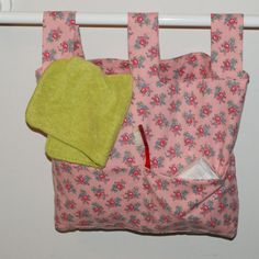 Walker Bag color choices by Susansweaters on Etsy, $8.00