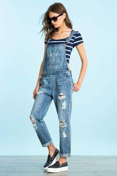 Slip on the Glamorous Dolores Park Light Wash Distressed Denim Overalls for a sunny day adventure! Light wash denim overalls with tying straps and skinny pant legs. Overalls Outfit, Overalls Women, Denim Overalls, Dungarees, Overalls Fashion, Denim Jeans, Spring Outfits, Trendy Outfits, Cute Outfits