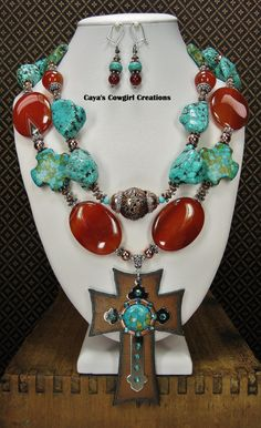 CHUNKY WESTERN COWGIRL Necklace / Howlite by CayaCowgirlCreations