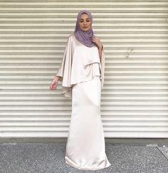 Gaun Dress, Hijab Dress, Hijab Outfit, Muslim Fashion, Hijab Fashion, Fashion Outfits, Dinner Wear, Flattering Dresses, Muslim Girls