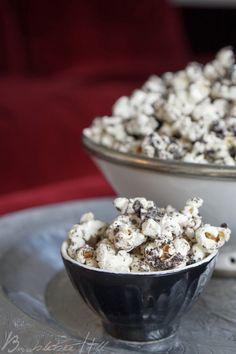 Bumblebee Hill: Oreo-Popcorn
