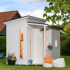 Mille är en väldesignad lekstuga i trä med kajutafönster och ett litet loft! Shed, Loft, Outdoor Structures, Lean To Shed, Backyard Sheds, Coops, Lofts, Barn, Attic Rooms