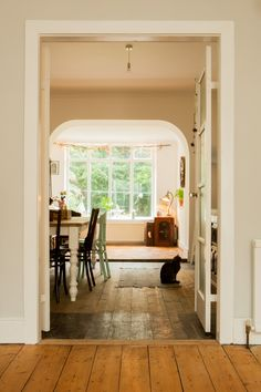 Dining Room And Nook Make Over - Image By Richmond Pictures Rock My Style, Style Uk, Interior Ideas, Modern Interior, Interior And Exterior, Small Cottage Interiors, Front Rooms, Minimalist Decor, Small Rooms