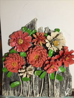 Pine Cone Art, Pine Cone Crafts, Pine Cones, Garden Crafts, Garden Art, Painted Pinecones, Pine Cone Decorations, Crafts For Seniors, Button Art