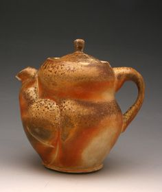Hannah Meredith  |  Wood-fired teapot (2013). Ceramic Teapots, Contemporary Ceramics, Tea Ceremony, Household Items, Tea Pots, 3 D, Artisan, Clay, Pottery