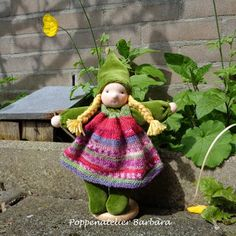 Poppenatelier Barbara - lovely use of self-stipping sock wool for doll dress!