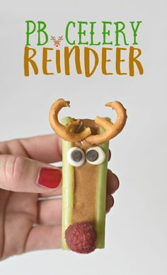Peanut Butter Celery Reindeer Sticks - Fork and Beans Fruit Christmas Tree, Christmas Sugar Cookies, Christmas Desserts, Holiday Treats, Christmas Treats, Christmas Recipes, Christmas Foods, Winter Treats, Christmas Hanukkah