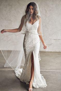 Wedding Dress With Veil, Dream Wedding Dresses, Designer Wedding Dresses, Wedding Attire, Bridal Dresses, Wedding Gowns, Lace Wedding, Mermaid Wedding, Backless Wedding