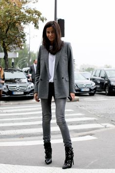 minimal chic // gray blazer + skinny jeans with white tee + buckled boots