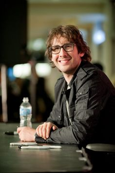Josh groban this man sings a beautiful version of quot o holy night