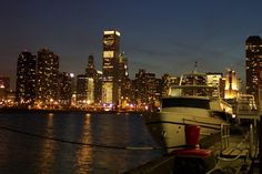 Chicago by Night Chicago - Illinois - USA #Chicago #Illinois #USA #photography #city #Polacy_w_USA #Polonia #wietrzne #miasto #windy #city