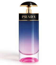 A blend that is perfect of cake, almond, lemon, lime, vanilla and sugar. Perfume Good Girl, Perfume Lady Million, Perfume Diesel, Perfume Parfum, Perfume Versace, Parfum Spray, Perfume Bottles, Health, Elegant