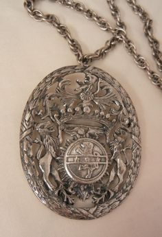 Always something exciting in store 10 to 60 % Off many beautiful items on sale Fantastic huge Germany four lion shield Brooch Necklace