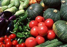 Fresh Vegetables are making a comeback! Find your nearest farmers market today Yummy Vegetable Recipes, Fruit Recipes, Fruits And Vegetables, Veggies, Humic Acid, Veggie Art, Cholesterol Lowering Foods, Fruit Plants, Organic Fertilizer