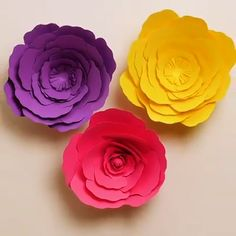 Arts and crafts DIY Paper - Arts and crafts Videos Windows - Arts and crafts Christmas Decoration - Paper Flowers Craft, Large Paper Flowers, Paper Crafts Origami, Flower Crafts, Diy Flowers, Diy Paper, Arts And Crafts For Adults, Fun Arts And Crafts, Arts And Crafts Movement
